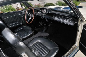 GT350-12-interior-large